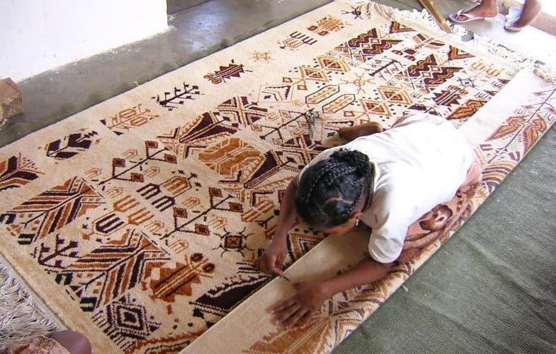 Se procurer des tapis mohair de Madagascar à Ampanihy