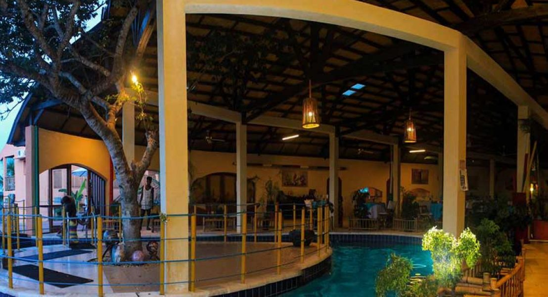 L'Oasis Lodge | Booking Booking Hotel in East Fénérive