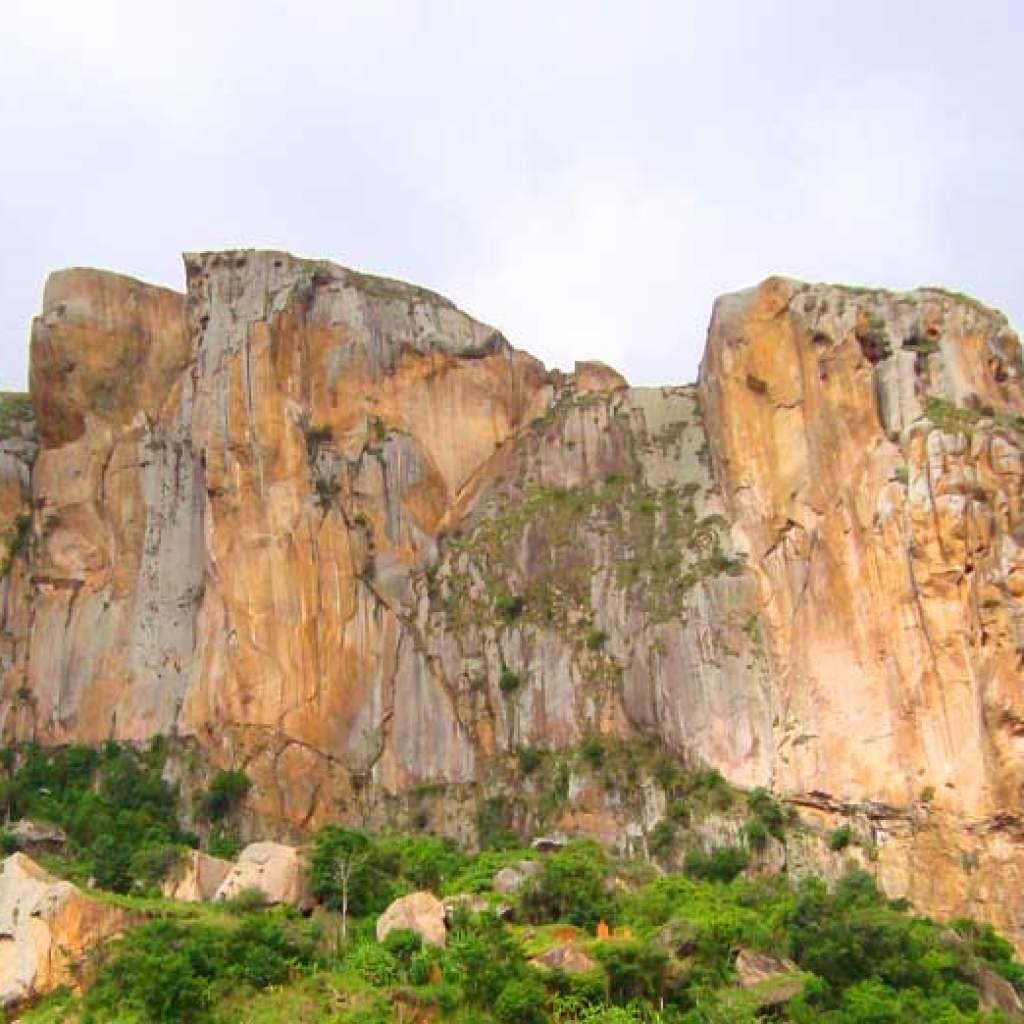 Le Zomà d'Isandra : un site d'exception de l'île rouge