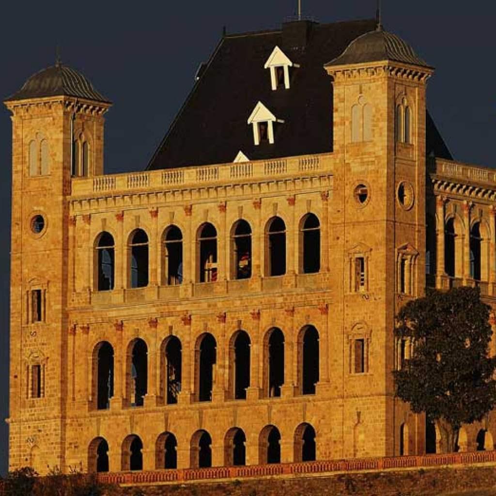Visiter le Palais de La Reine à Antananarivo