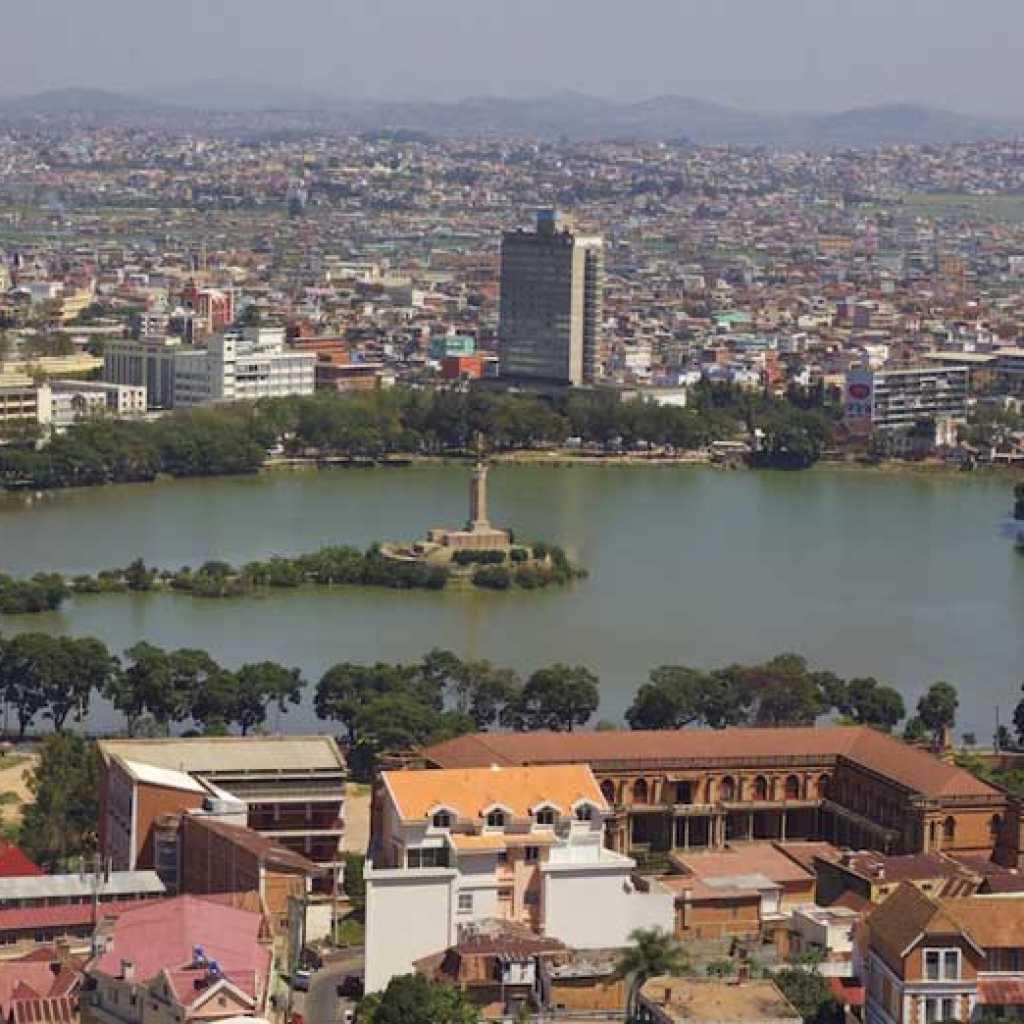Être bien entouré dans un hôtel du centre-ville d'Antananarivo