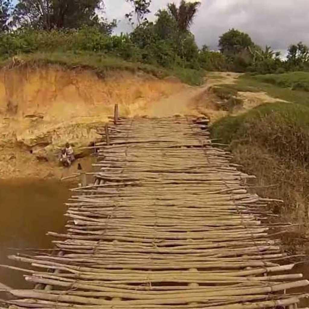 Évadez-vous en KTM sur les pistes rouges de Madagascar