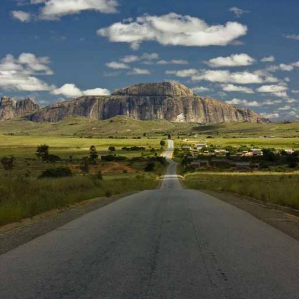 Découvrez le Sud de Madagascar en KTM !